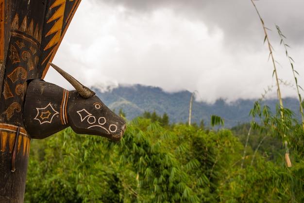 Symbol in tana toraja sulawesi indonesia Premium Fotos