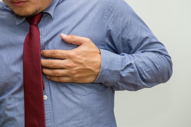 Symptome der herzkrankheit, warnzeichen des herzinsuffizienzkonzeptes Premium Fotos