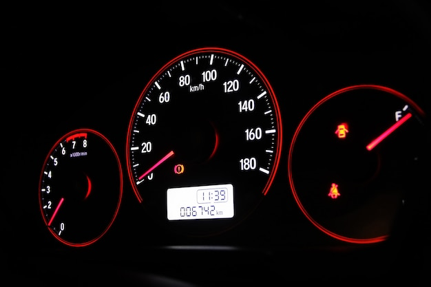 Tacho im auto Premium Fotos