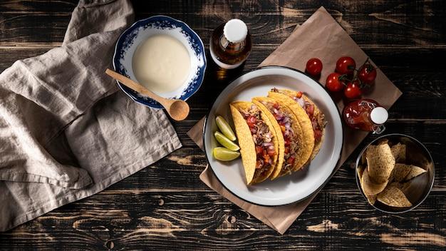 Tacos mit gemüse und fleisch draufsicht Kostenlose Fotos