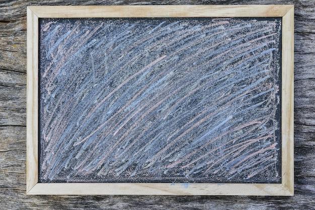 Tafel mit kreide malte vollen rahmenhintergrund der beschaffenheit Premium Fotos