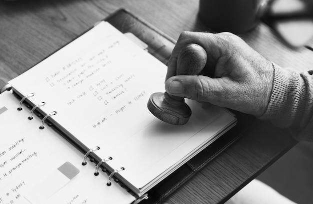 Tagebuch-planer, zum des notizbuch-konzeptes aufzuführen Premium Fotos