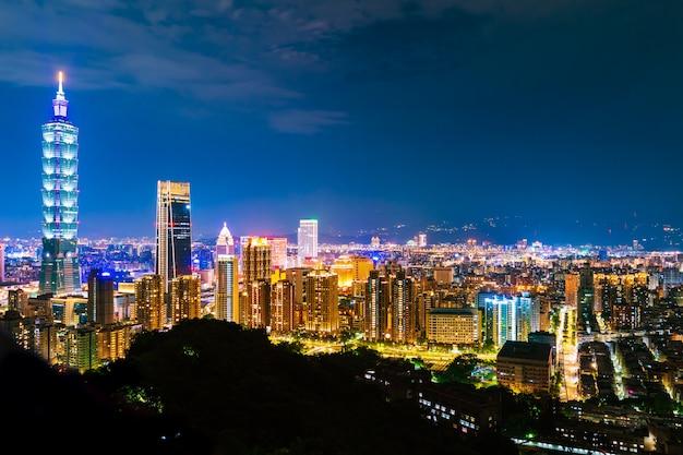 Taipeh-stadt nachts, taiwan Premium Fotos