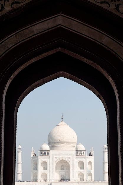 Taj mahal am eingangstor Kostenlose Fotos