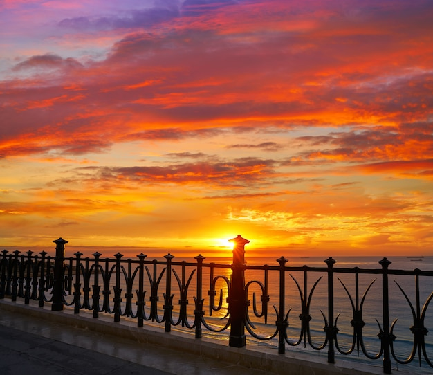 Tarragona balkon von europa bei sonnenaufgang Premium Fotos