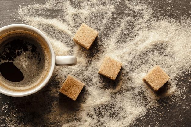 Tasse kaffee mit zucker Premium Fotos