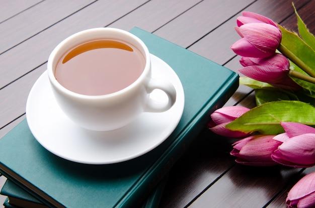 Tasse tee im verpflegungskonzept Premium Fotos