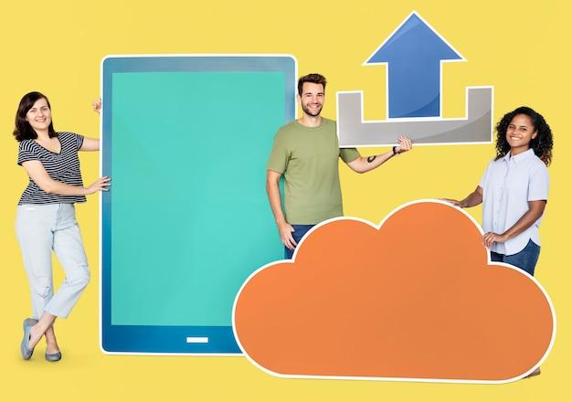 Technologie- und internet-konzepttrieb Premium Fotos
