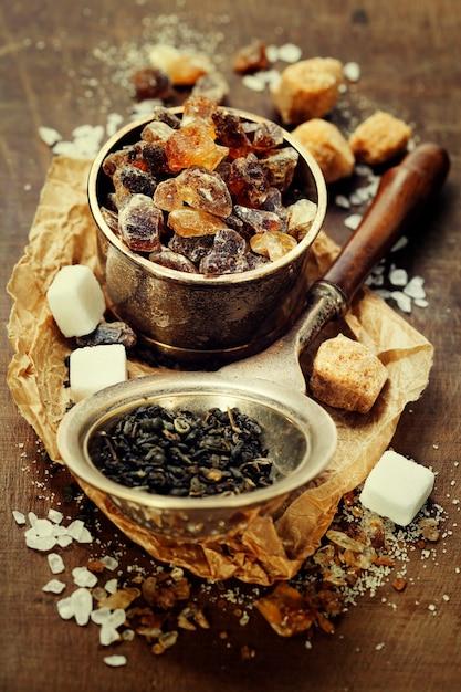Tee und verschiedene zuckersorten Premium Fotos