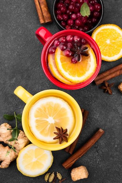 Teetassen mit zitrone und zimt Kostenlose Fotos