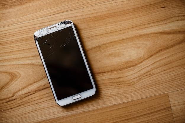 Telefon mit defektem bildschirm Premium Fotos