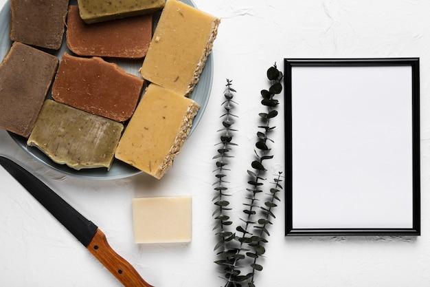 Teller mit seifen und lavendel im spa Kostenlose Fotos