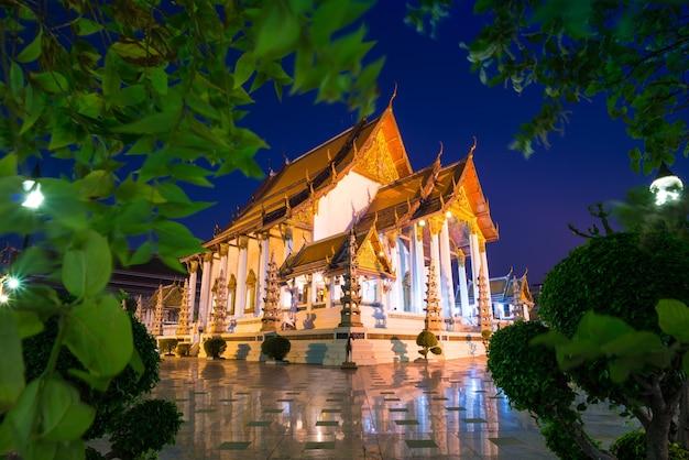 Tempel wat suthat thep wararam in bangkok thailand Premium Fotos