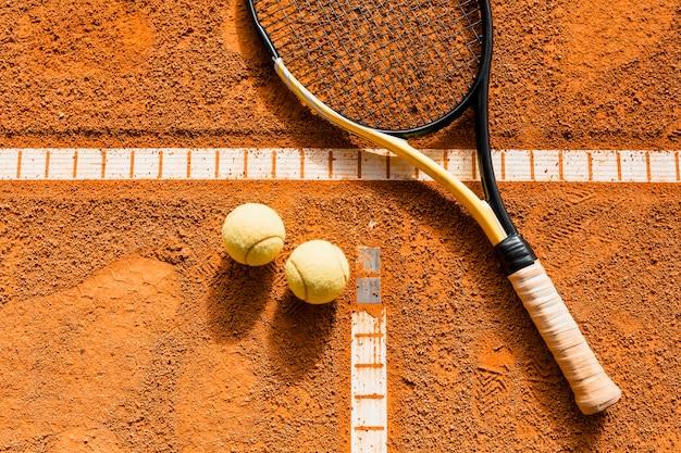 Tennisschläger am ball Kostenlose Fotos