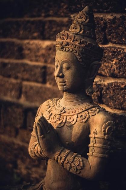 Thailändisches art-buddha-skulptur-konzept Kostenlose Fotos