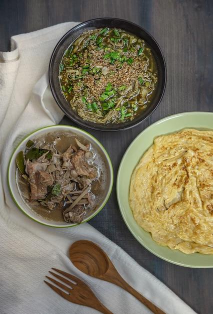 Thailändisches essen Premium Fotos