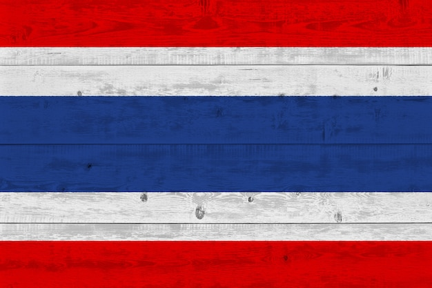 Thailand-flagge gemalt auf altem holzbrett Premium Fotos