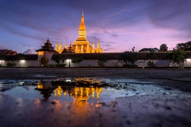 Thatluang ist die schönste kultur von vientiane laos Premium Fotos