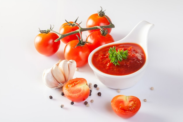 Tomatensauce, gaspacho, ketchup Premium Fotos