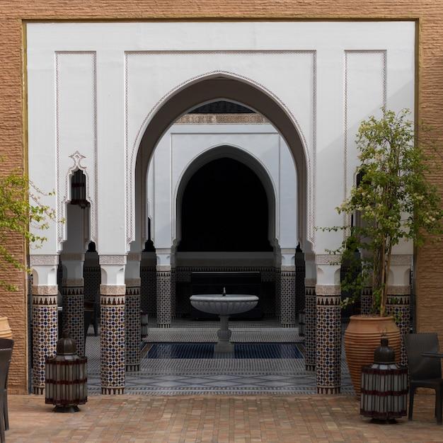 Torbogen eines hotels, riad sidi mimoune, marrakesch, marokko Premium Fotos