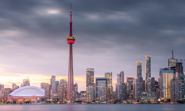 Toronto-stadtskyline nachts, ontario, kanada Premium Fotos
