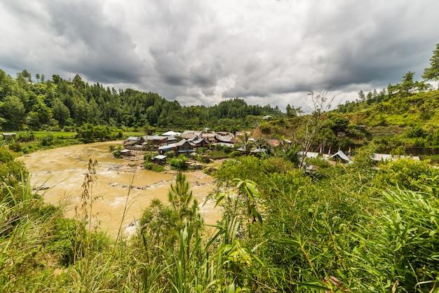 Traditionelles dorf in sulawesi indonesien Premium Fotos
