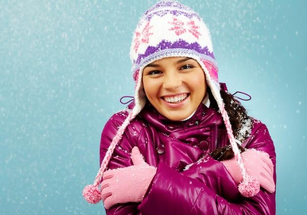 Tragen freeze verschneit jugend erwachsen Premium Fotos