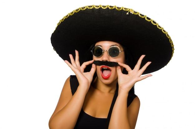 Tragender sombrero der jungen mexikanischen frau lokalisiert auf weiß Premium Fotos