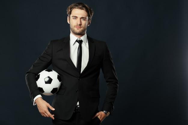 Trainer, geschäft, sport auf schwarzem hintergrund Premium Fotos