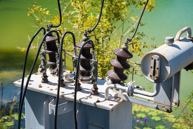 Transformator und elektrische gelenke Premium Fotos