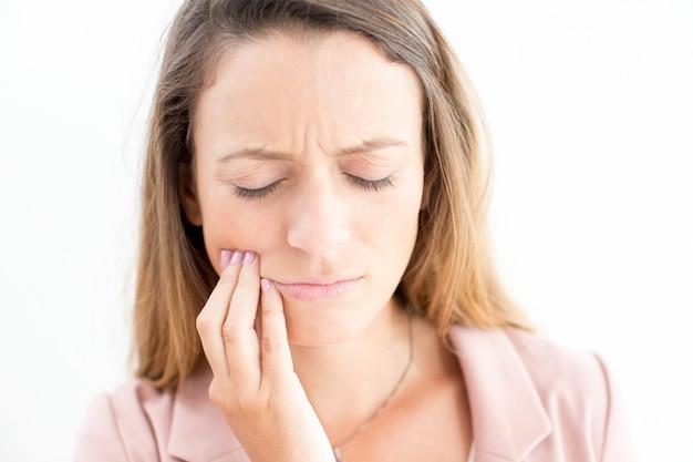 Trauriges Gesicht Der Jungen Geschaftsfrau Mit Zahnschmerzen