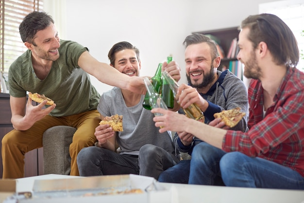 Trinken wir für den abend nur für männer Kostenlose Fotos