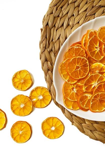 Trockener orangenscheiben-snack. trockene orangen für weihnachtsdekorationen Premium Fotos