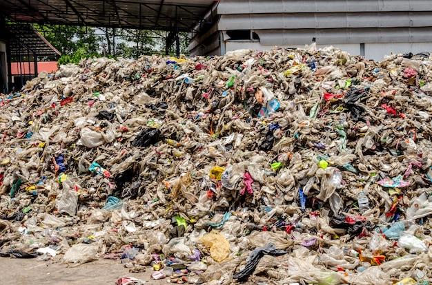 Trockener siedlungsabfall für die abfallverwertung Premium Fotos