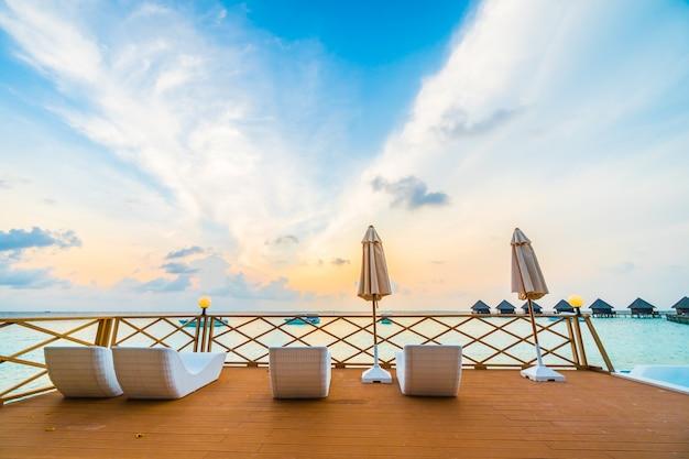 Tropischen himmel schwimmbadwasser Kostenlose Fotos