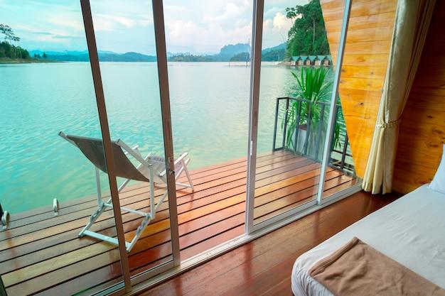 Tropischer schlafzimmerinnenraum Premium Fotos