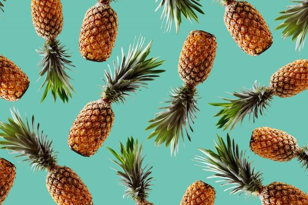Tropisches artkonzept des retro- designs muster mit hippie-ananassommer-dekorationshintergrund Premium Fotos