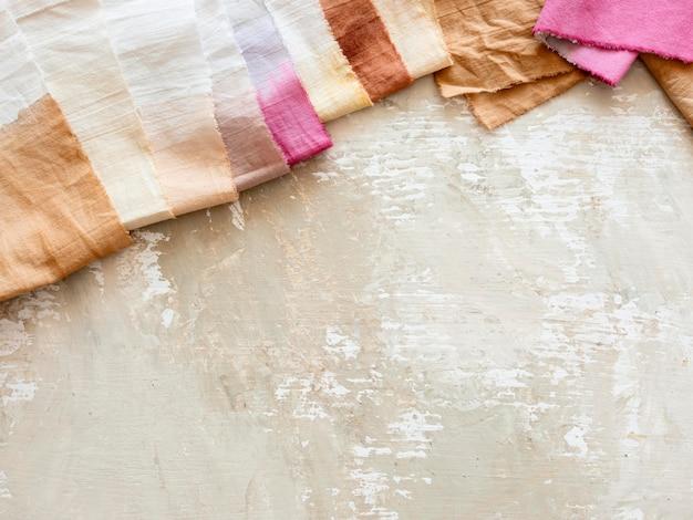 Tücher aus verschiedenen natürlichen pigmenten Kostenlose Fotos