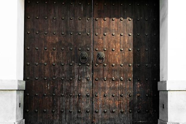 Tür-antike-kunst gealtertes eingangstor-retrostil Kostenlose Fotos
