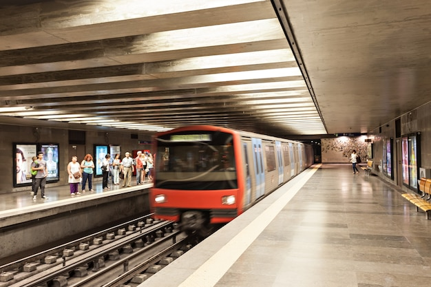 U-bahn in lissabon Premium Fotos