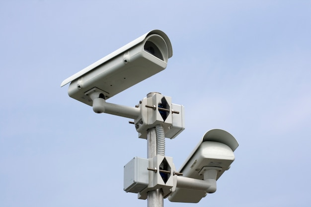 Überwachungskamera am himmel Premium Fotos