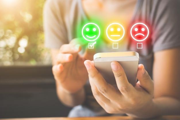 Umfrage zur kundenzufriedenheit und kundenzufriedenheit. Premium Fotos