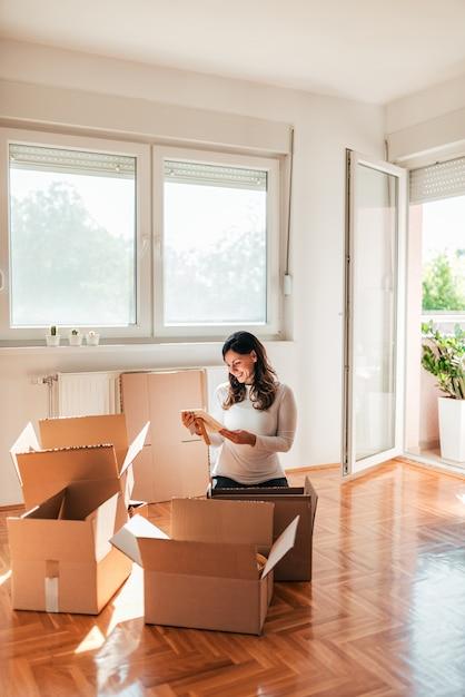 Umzug in ein neues zuhause. Premium Fotos