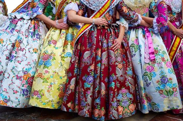 Unbekanntes falleras kleid aus valencia fallas fest Premium Fotos