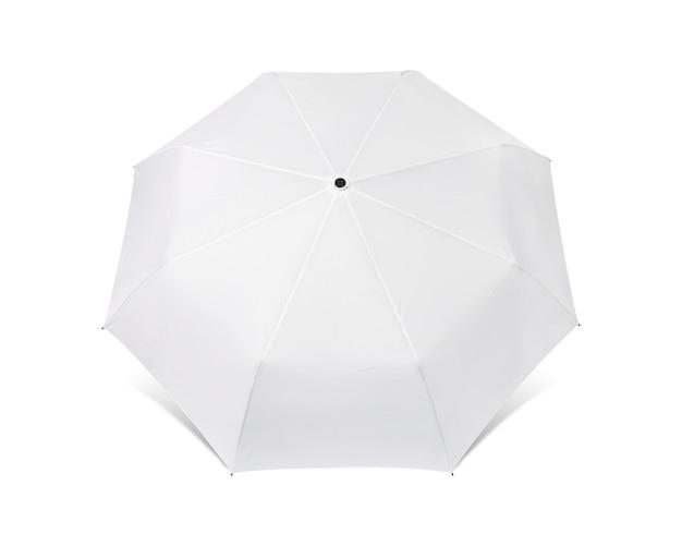 Unbelegter regenschirm getrennt auf weißem hintergrund. Premium Fotos
