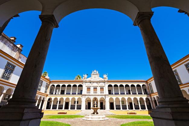 Universität von evora Premium Fotos