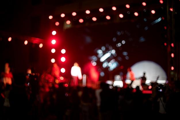 Unschärfebild des lichtes auf musikkonzert Premium Fotos