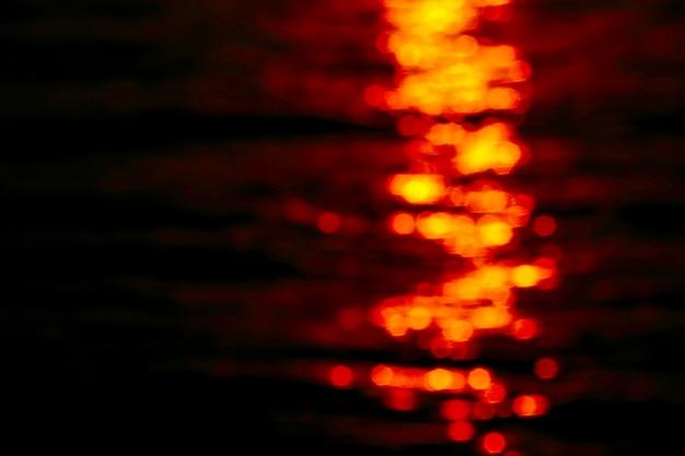 Unscharfe sonnenunterganghaufenwolke in der tropischen orange himmelwolke Premium Fotos