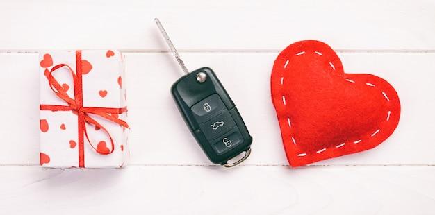 Valentine, geschenkbox in holiday wrapper Premium Fotos