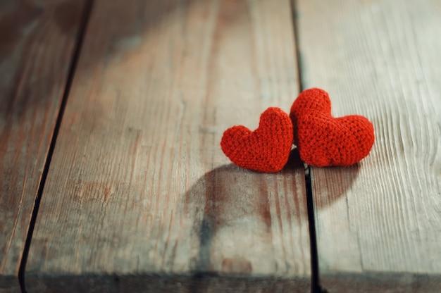 Valentinstag grußkartengeschenk. liebesherz simbol Premium Fotos